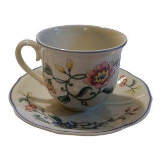 Villeroy & Boch Delia Pattern Teacup and Saucer Set For Sale
