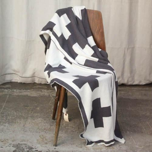 Swiss Cross Organic Cotton Throw For Sale - Image 4 of 5