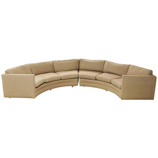 1970s Vintage Milo Baughman Mid-Century Modern Beige Curved 2-Piece Sectional Sofa For Sale