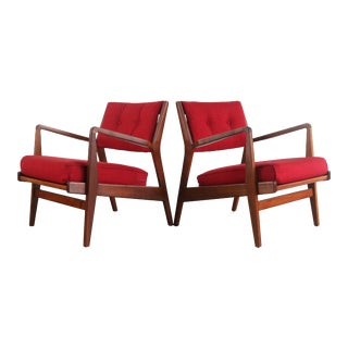 Jens Risom for Knoll Lounge Chairs in Red Knoll Upholstery on a Refinished Walnut Frame, USA For Sale