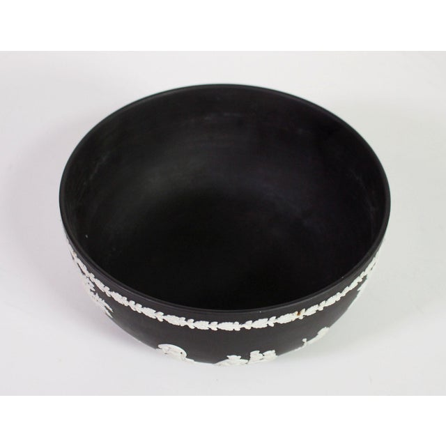 "Ceramic 1940s Neoclassical Greek Figurative Wedgwood Jasperware Black ""Sacrifice Bowl"" For Sale - Image 7 of 10"