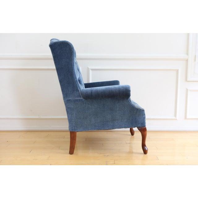 Hollywood Regency Vintage Blue Navy Tufted Velvet Wingback Chair For Sale - Image 3 of 8