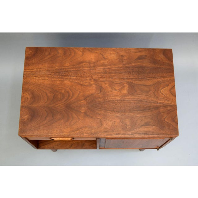 Jack Cartwright for Founders Walnut Nightstands - A Pair - Image 5 of 11