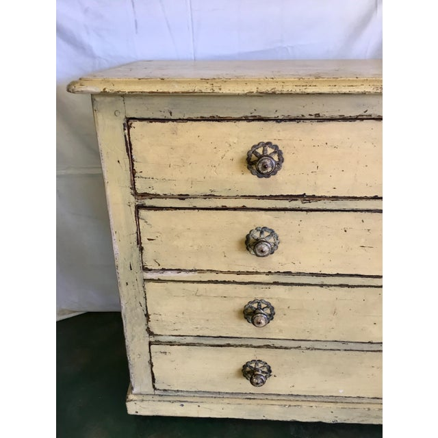 Clean lines complemented with detailed hardware make this impressive chest work in so many design settings. Its chippy...