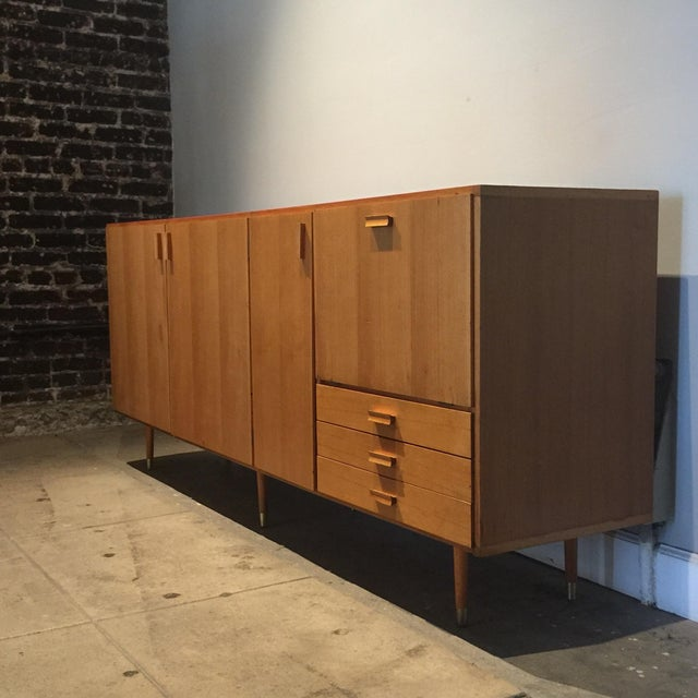 Mid-Century Modern 1950s Custom Made Midcentury Ash Sideboard For Sale - Image 3 of 10