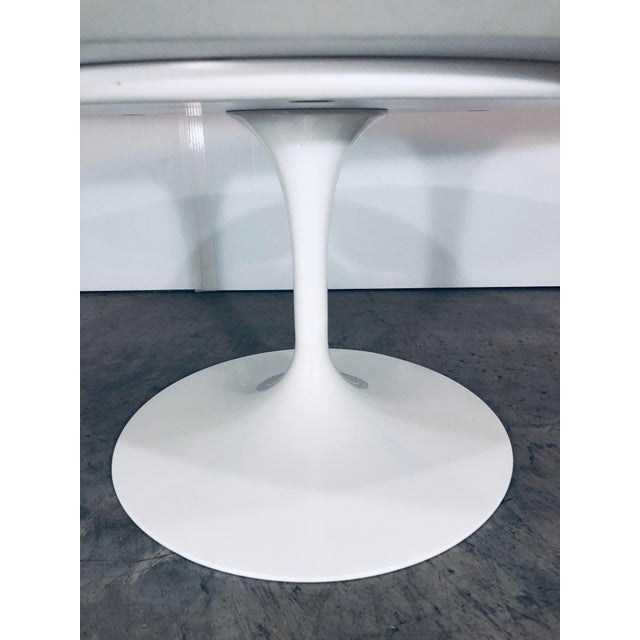 Mid-Century Modern Eero Saarinen for Knoll Oval White Laminate Tulip Coffee Table For Sale - Image 10 of 12