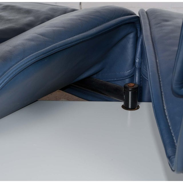 Mid-Century Modern Design Deep Navy Blue Leather Three-seat 'Veranda' Sofa by Vico Magistretti for Cassina, 1970s For Sale - Image 12 of 13