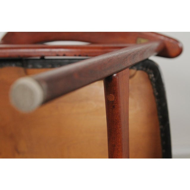 1950s 1950s Vintage Arne Hovmand-Olsen for Jutex Teak and Leather Rounded-Back Chair For Sale - Image 5 of 12