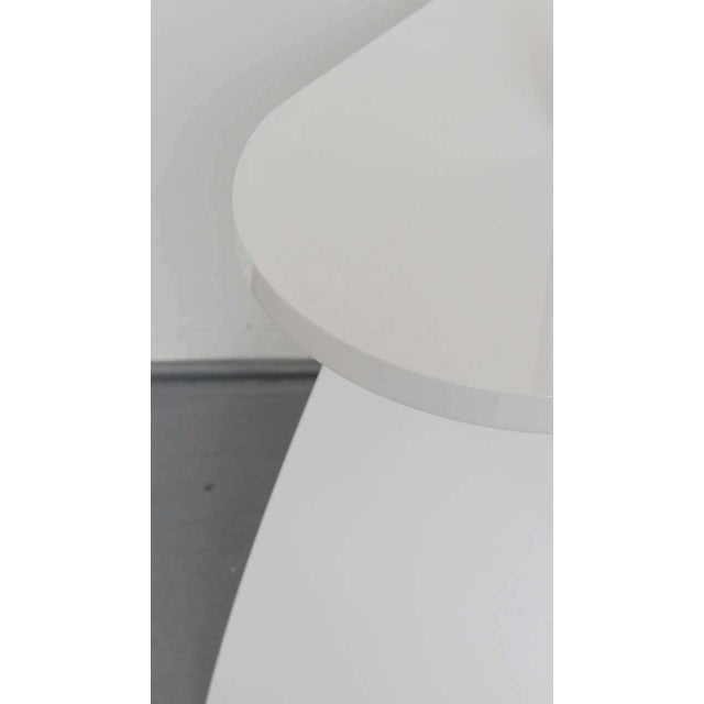 White Lacquer Floor Lamp with Tray 1970s For Sale - Image 9 of 10
