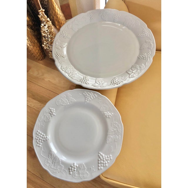 Excellent Vintage Pre-Owned Condition. Colony Harvest milk glass molds were created in the 1950s. Colony was a trademark...