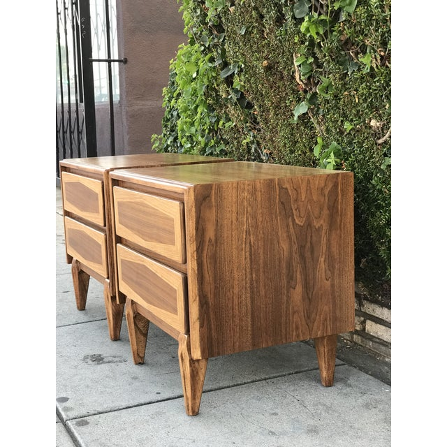 Pair of Mid Century Modern Nightstands by American of Martinsville For Sale - Image 9 of 12