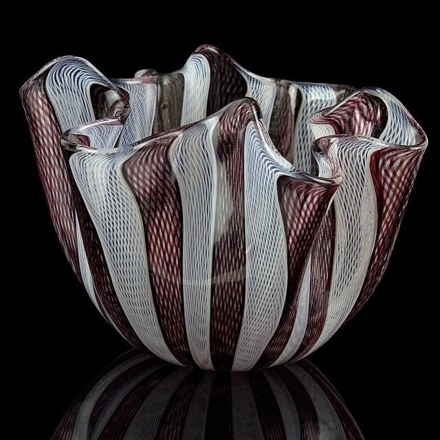 Murano Venini Bianconi Murano Italian Art Glass Fazzoletto Handkerchief Ribbons Vase For Sale - Image 4 of 6