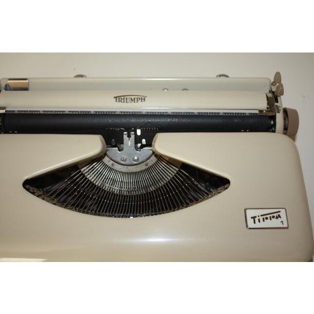 Vintage 1965 Triumph Tippa Beige Typewriter - Image 6 of 9