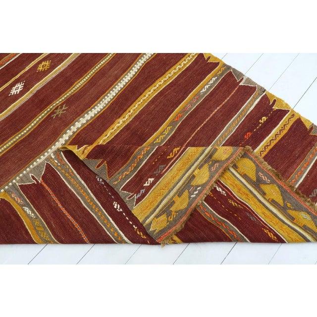 Anatolian Kilim Tribal Turkish Kilim Rug-4′8″ × 6′1″ For Sale - Image 12 of 13