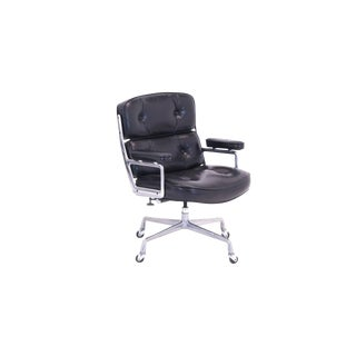 Original Eames for Herman Miller Time Life Desk Chair on Casters For Sale