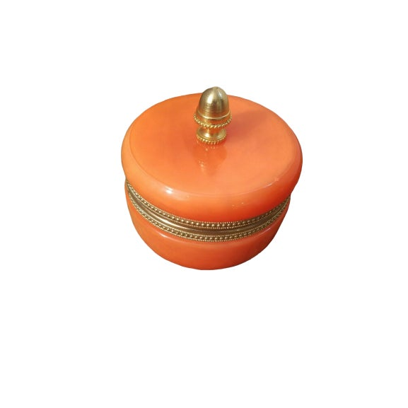 French 1940s Orange Opaline Trinket Box with Brass Finial For Sale - Image 3 of 6