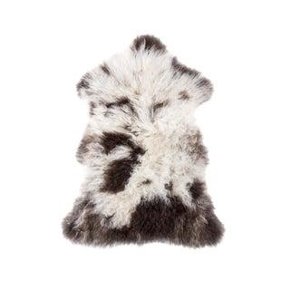 "Hand-Tanned Sheepskin Pelt Rug - 2'5""x3'2"" For Sale"