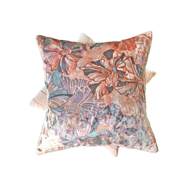 Embrace summer color with this Sōhe Studio crushed velvet and grid velvet pillow set. A perfect pairing of soft and bright...