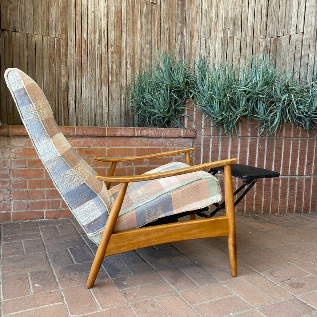Mid-Century Modern Mid-Century Modern Milo Baughman for James Inc Recliner Lounge Chair For Sale - Image 3 of 12
