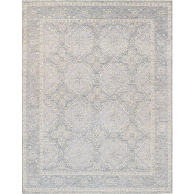 Light Gray Hand-Knotted Wool Area Rug - 8' x 10' For Sale