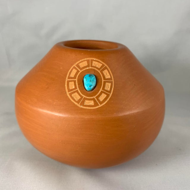 Clay Southwest Clayware Jar With Turquoise Inlay by Marie Gonzales Pena For Sale - Image 7 of 7
