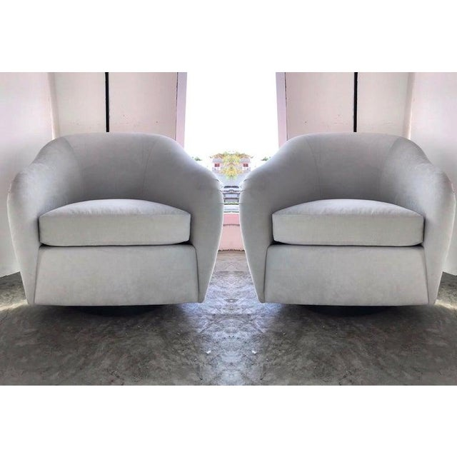 Interior Crafts Pair of Mid-Century Modern Swivel Lounge Chairs in Grey Velvet, Circa 1970s For Sale - Image 4 of 13