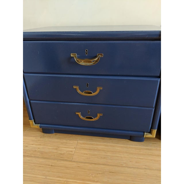 1980s Drexel Accolade Campaign High Gloss Blue Nightstands / End Tables - A Pair For Sale - Image 5 of 9