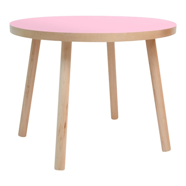 """Poco Large Round 30"""" Kids Table in Maple With Pink Finish Accent For Sale"""