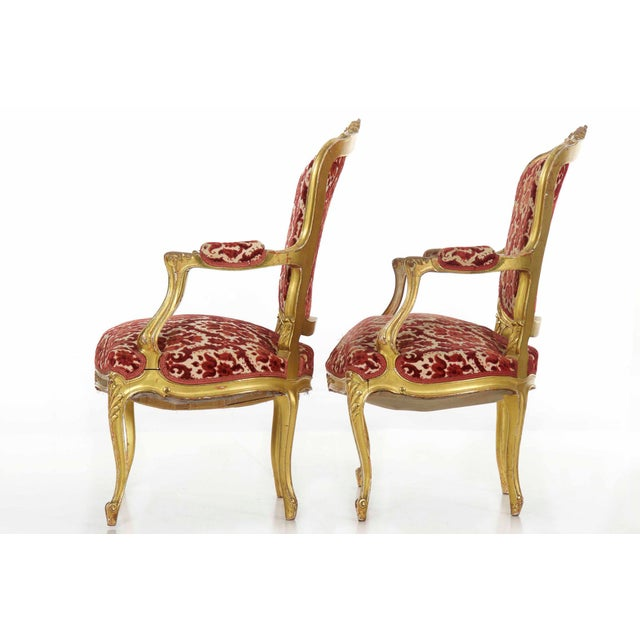 French French Louis XV Style Carved Giltwood Antique Arm Chairs - Set of 2 For Sale - Image 3 of 13