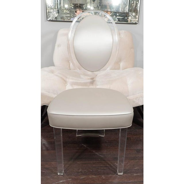 1970s Lucite Baloon Back Chair For Sale In New York - Image 6 of 8