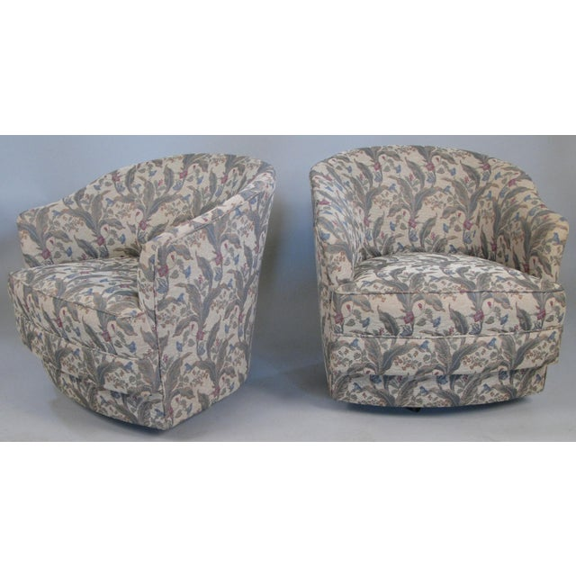 Light Gray Mid-Century Swivel Lounge Chairs by John Stuart- A Pair For Sale - Image 8 of 8