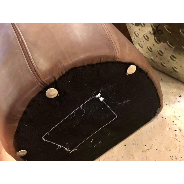 Pair of Woven Modern Leather Seat and Backrest Side Chairs in Brown For Sale In New York - Image 6 of 7