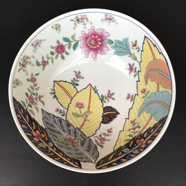 1970s Vintage Tobacco Leaf Large Porcelain Serving Bowl For Sale - Image 10 of 11