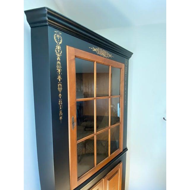 1990s Black/Harvest Newington Hitchcock Lighted Corner Cabinet For Sale - Image 5 of 13