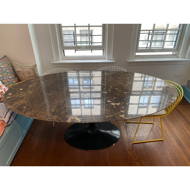 Eero Saarinen for Knoll Dining Table in Black Marble For Sale - Image 10 of 11