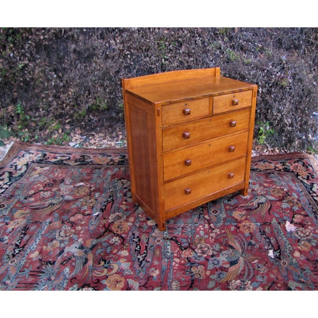 1900s Arts and Crafts Gustav Stickley Chest of Drawers For Sale - Image 13 of 13
