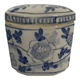 Small Chinese Blue & White Porcelain Box