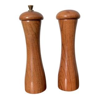 Vintage Garanito Tre Spade Salt & Pepper Shakers - A Pair For Sale