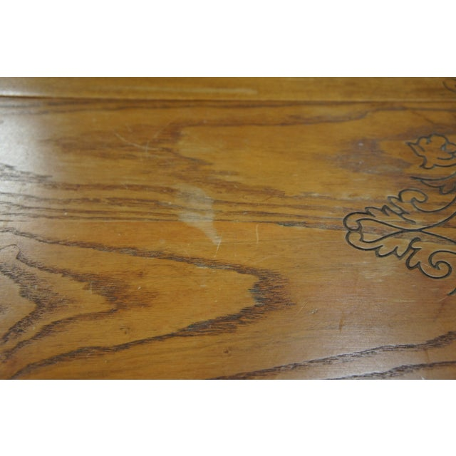 Engraving 20th Century Arts & Crafts English Oak Gate-Leg Accent Table For Sale - Image 7 of 11