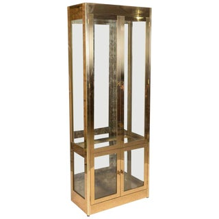 1980s Contemporary Mastercraft Brass and Glass Lighted Display Case For Sale