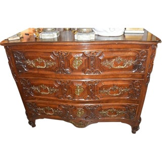 18th C. French Louis XV Style Walnut Commode For Sale