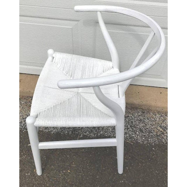Hans Wegner Wishbone Chairs, CH24 in White - Set of 4 For Sale - Image 5 of 8