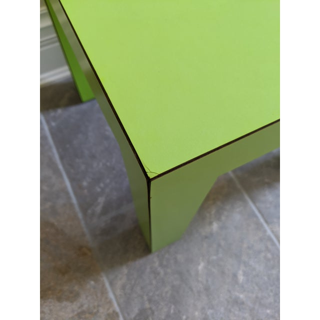 1980s 1980s Vintage Milo Baughman Style Lime Green Laminate Parsons Side Table For Sale - Image 5 of 9