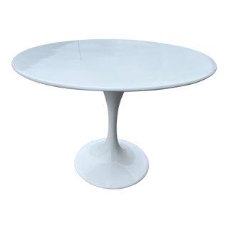 Tulip Round Table Eero Saarinen Style of Knoll For Sale