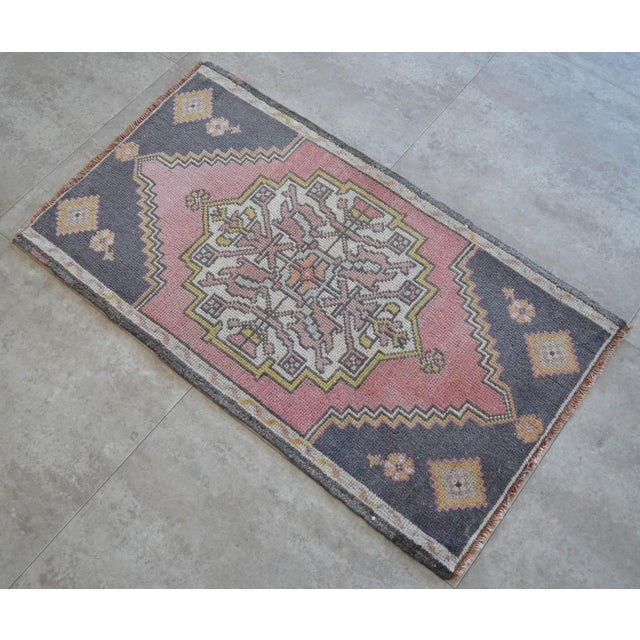 Front Of Kitchen Sink Rug Hand Made Bath Mat Faded Mini Rugs 1 9 X