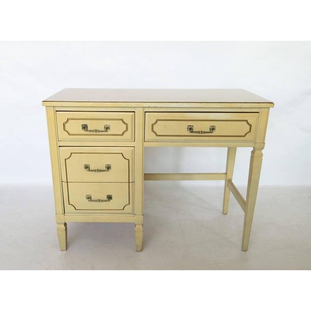 Wonderful vintage condition. Three drawers on one side and one larger drawer in the top. Wonderful vintage condition.