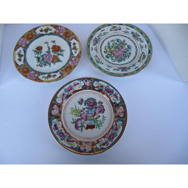 Ceramic Decorative Chinoiserie Wall Plates- 3 Pieces For Sale - Image 7 of 7
