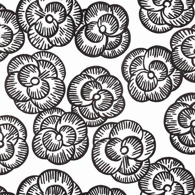 Schumacher Vogue Living Mona Pattern Floral Wallpaper in Blackwork - 2-Roll Set (11 Yards) For Sale