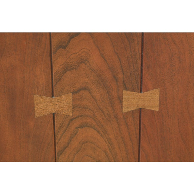 1990s Stickley Arts & Crafts Mission Cherry Tv Armoire For Sale - Image 5 of 13