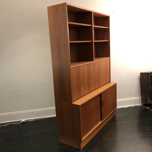 Hundrvad Danish Teak Wall Unit With Drop Down Desk - 2 Pieces For Sale In San Antonio - Image 6 of 13